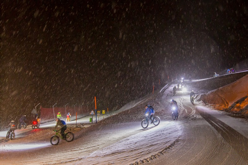 fatbike event by night bikeundevent sust lodge andermatt hodpental gotthard spass nacht event erlebnis